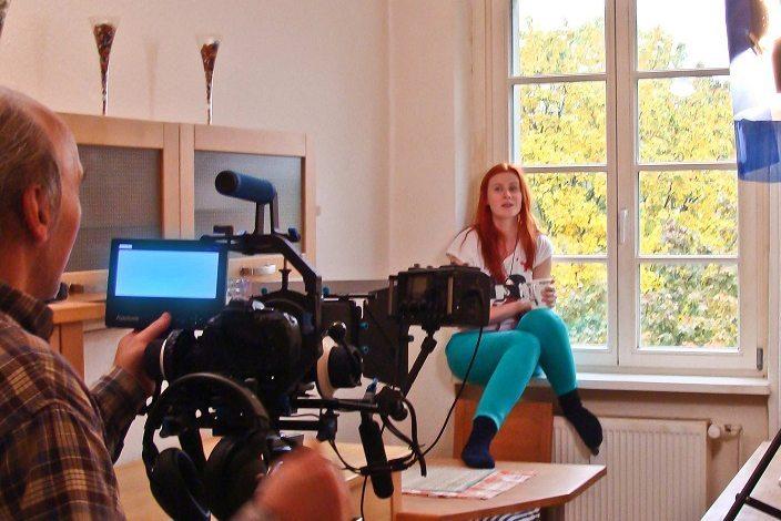 Marie Theres Schwinn im Kurzfilm Sam