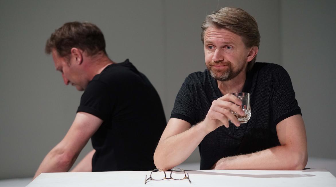 Thomas Peters in seiner 2. Herbstpremiere am Staatstheater Wiesbaden