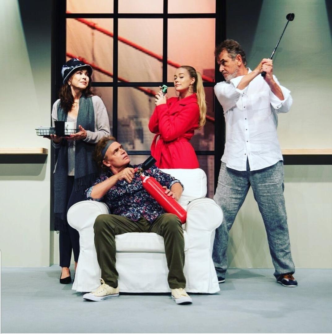Aylin Werner spielt Komödie im Theater am Dom