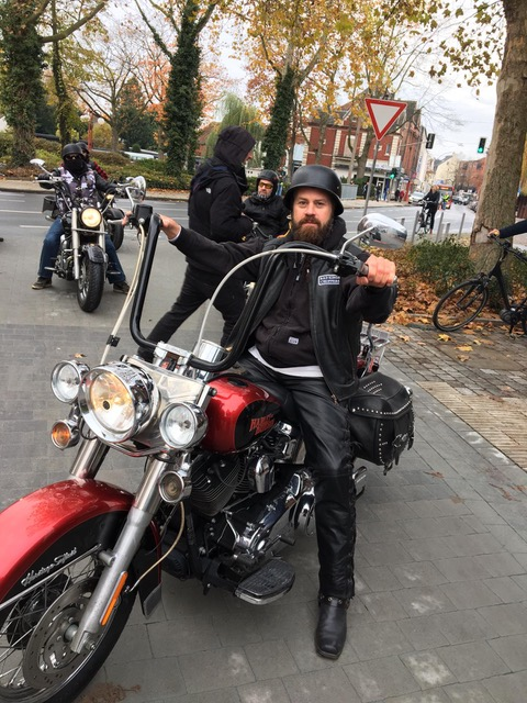Andreas Birkner als Biker Boss