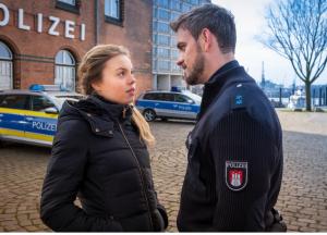 Lea Zoë Voss als Polizei Anwärterin